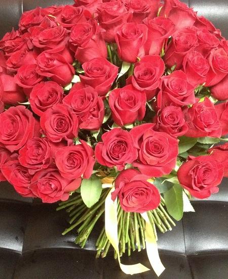 К чему снится букет роз подаренный мужчиной